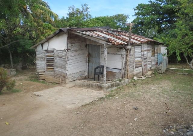 """""""Quería comprobar lo que escucha decir y lo comprobó: Cuba es más pobre que Haití."""""""